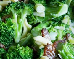 Broccolisalat med Miracle Whip
