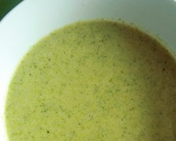 Cremet broccoli suppe