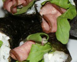 Håndruller med roastbeef & wasabimayo